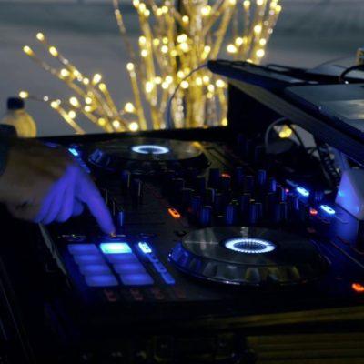 DJ-Playing-Song